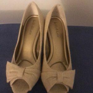 Tan open toe shoe